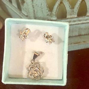 925 flower necklace & earrings